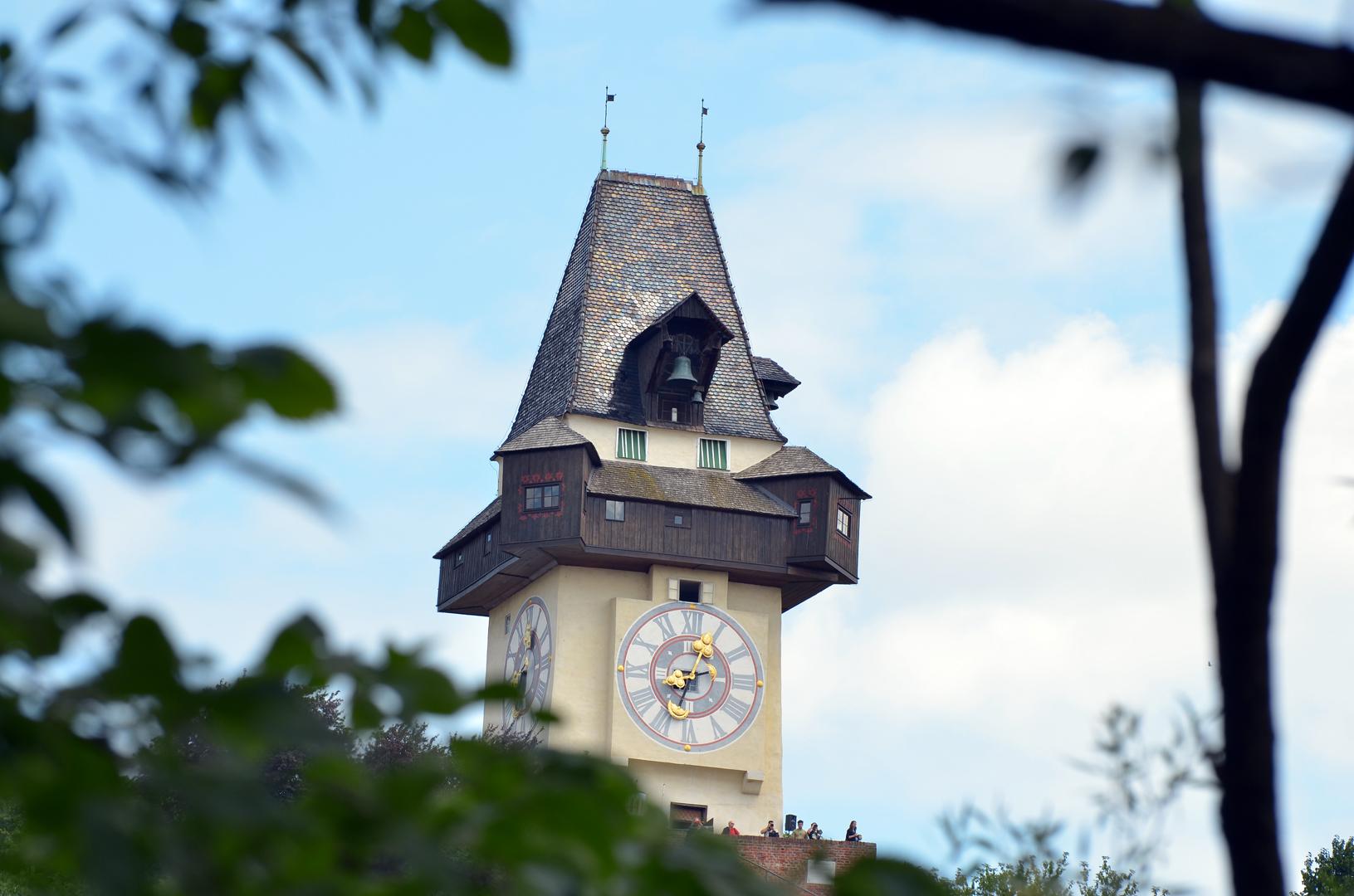 Das klassische Wahrzeichen von Graz: Der Uhrturm am Schlossberg